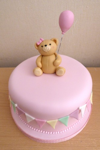 simple-teddy-with-balloon-birthday-baby-shower-cake