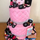 2-tier-make-up-birthday-cake