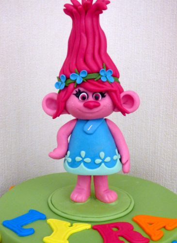2-tier-poppy-trolls-inspired-birthday-cake