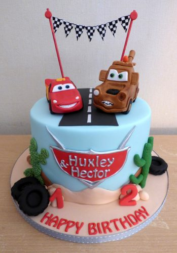disney-pixar-cars-themed-birthday-cake-lightning-mcqueen-mater