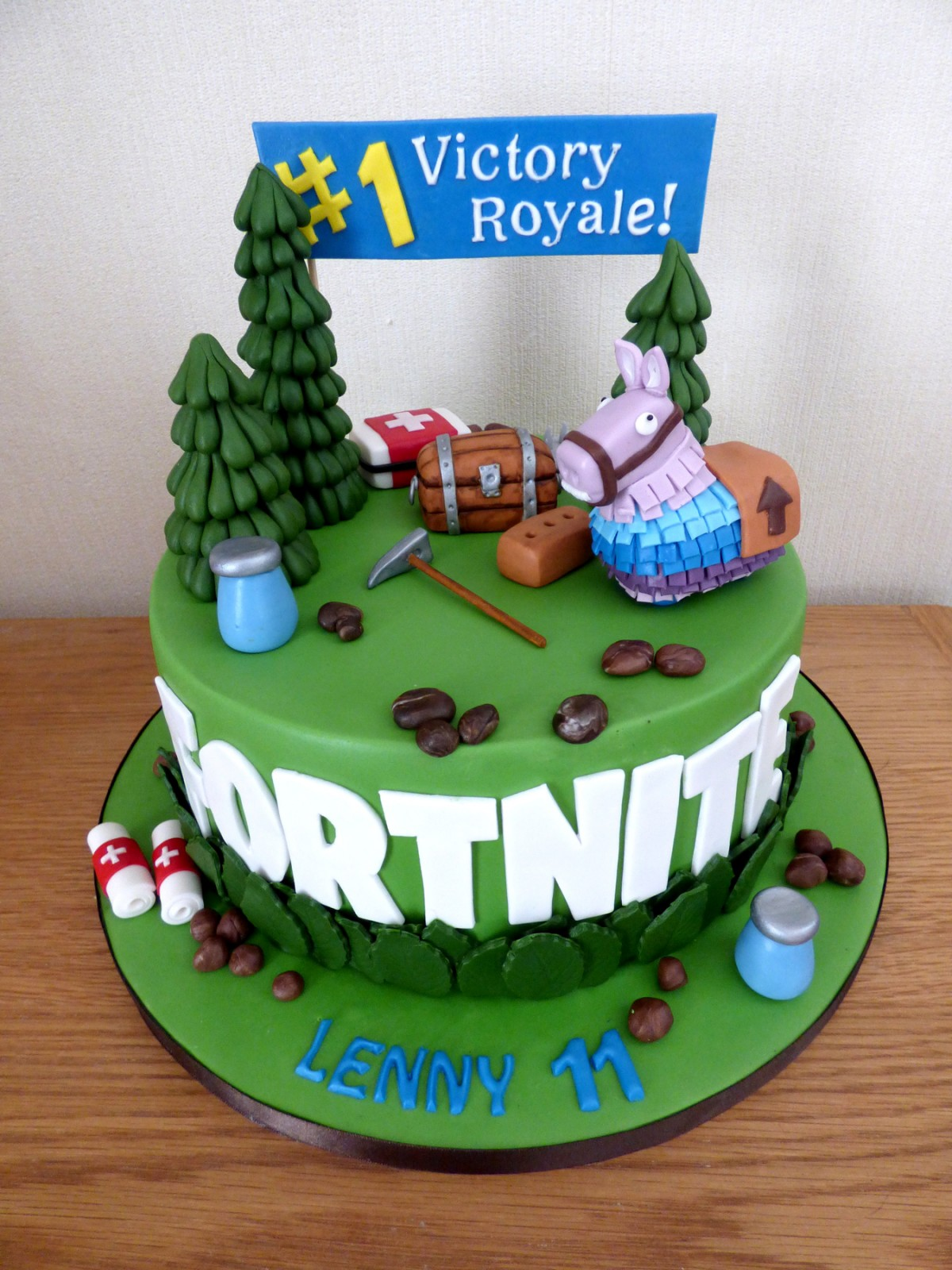 Fortnite Themed Birthday Cake 171 Susie S Cakes