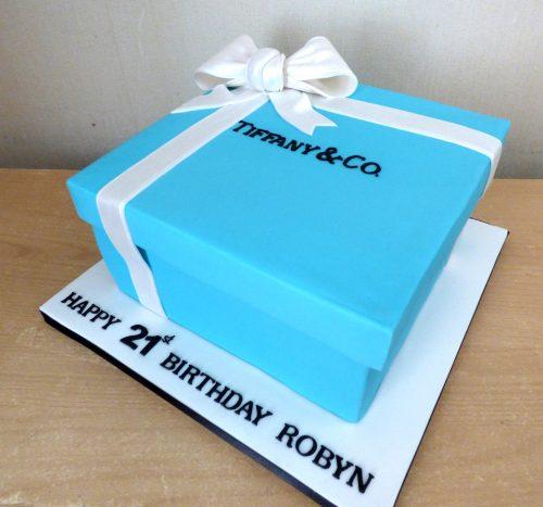 tiffany-jewellery-box-birthday-cake