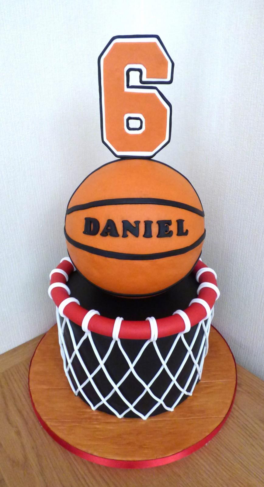 Wondrous Basketball Themed Birthday Cake Susies Cakes Birthday Cards Printable Benkemecafe Filternl
