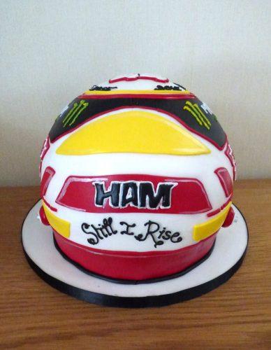 lewis-hamilton-race-helmet-birthday-cake