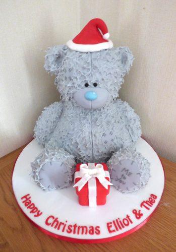 me-to-you-bear-christmas-cake