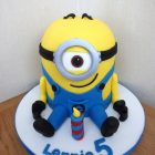 one-eyed-minion-birthday-cake