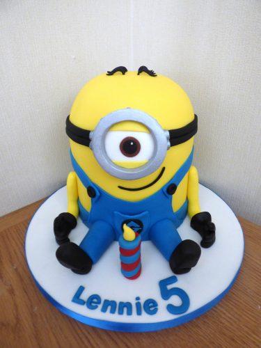 one-eyed-minion-birthday-cake