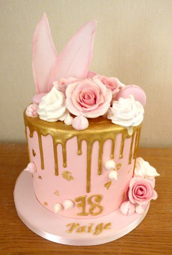 pretty-pink-and-gold-drip-cake
