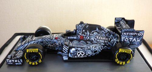 red-bull-F1-camouflage-car-verstappen-birthday-cake