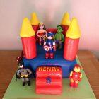 superheroes-themedbouncy-castle-birthday-cake