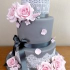 3-tier-grey-pink-lace-wedding-cake-roses