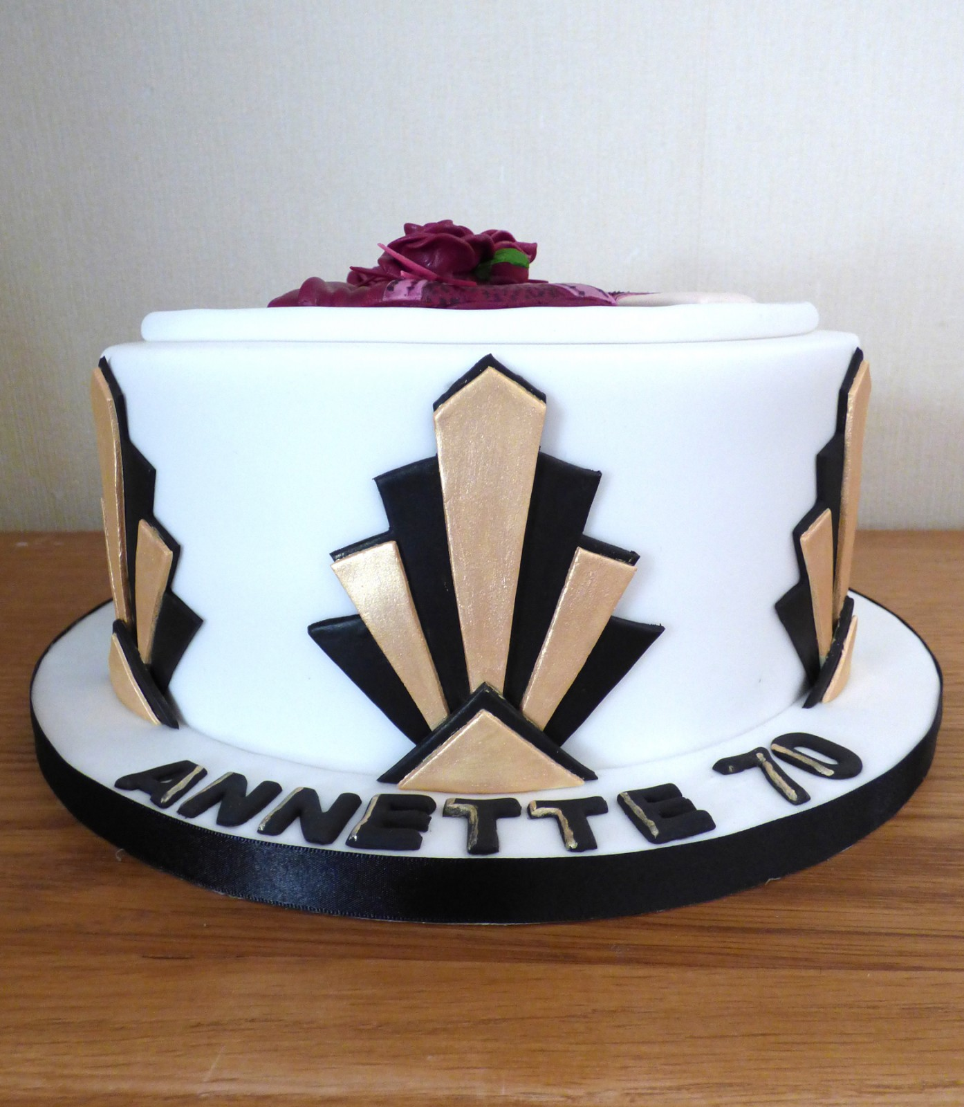 Remarkable Art Deco Lady Birthday Cake Susies Cakes Funny Birthday Cards Online Benoljebrpdamsfinfo