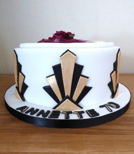 art-deco-lady-themed-birthday-cake