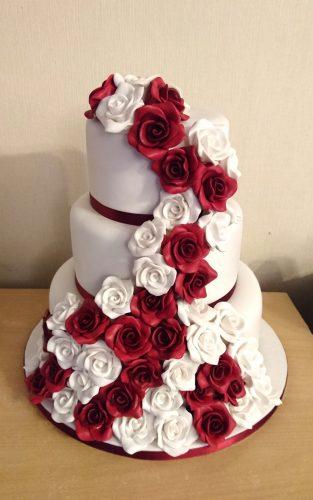 3-tier-cascading-roses-wedding-cake