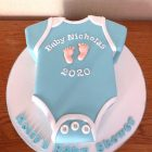 baby-onesie-boy-baby-shower-cake