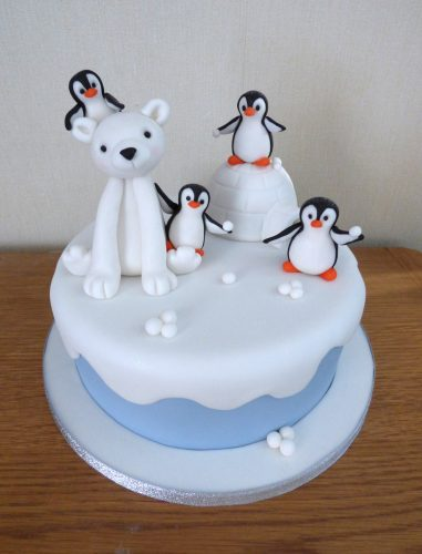 fun-penguin-and-polar-bear-christmas-cake