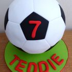 simple-football-birthday-cake