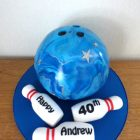 ten-pin-bowling-ball-and-pins-birthday-cake